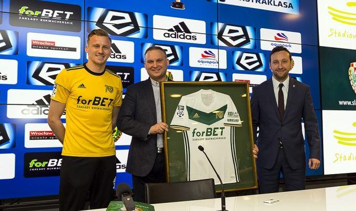 zdjęcie do tekstu o umowie sponsorskiej Śląska Wrocław i forBET