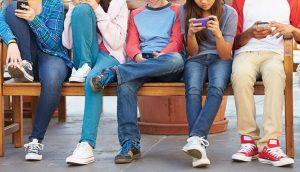 Młodzi ludzie łatwiej uzależniają się od gier losowych