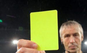 Bukmacherskie zakłady na żółte i czerwone kartki
